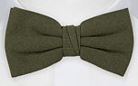 MOREAMORE Seaweed green pre-tied bow tie
